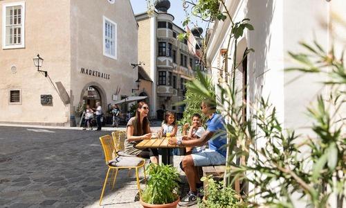 Familie, Altstadt, Sommer, Kinder, Markthalle