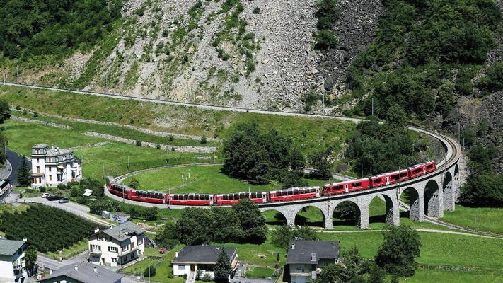 Bernina Alp Grüm Kurve