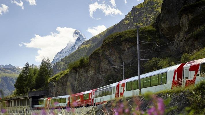 Glacier Express bei Zermatt