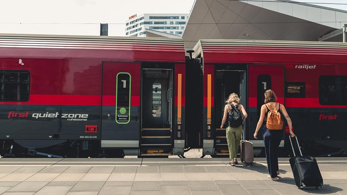 Einstieg in den ÖBB Railjet