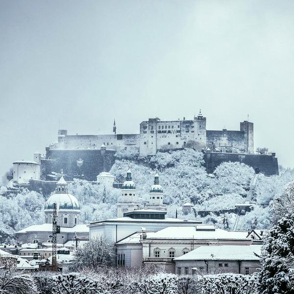 Die schaurig schöne Burg Hardegg im Winter