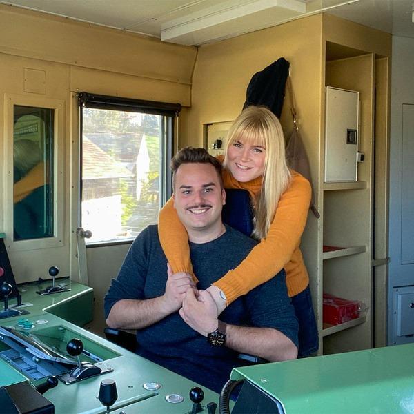Christian und Bernadette im Führerstand