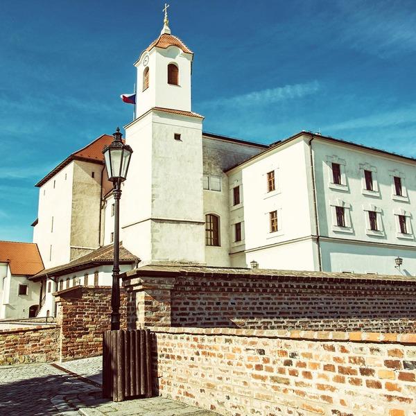 Außenfassade einer Kirche in Brünn