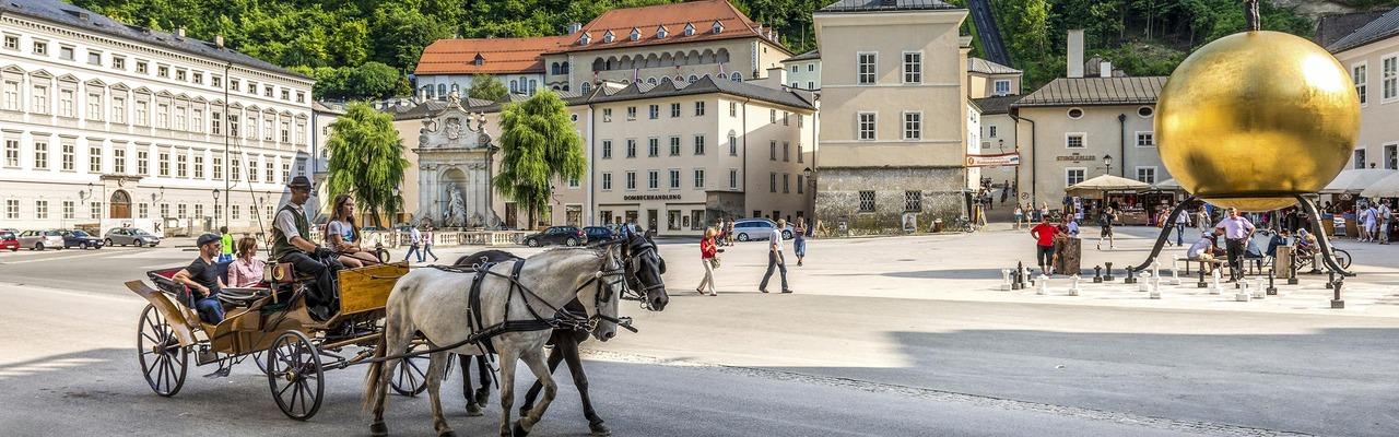 Fiaker in der Innenstadt von Salzburg