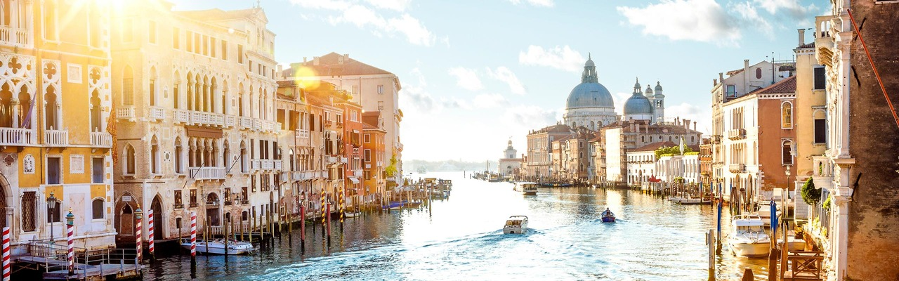 Ein wunderschöner Kanal in Venedig