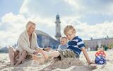 Urlaub an der Ostsee. Mit 1.900 Küstenkilometern ist Mecklenburg-Vorpommern der längste Buddelkasten und die größte Badewanne von Deutschland.