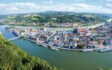 Passaus einzigartige Altstadt inmitten grüner Hügel