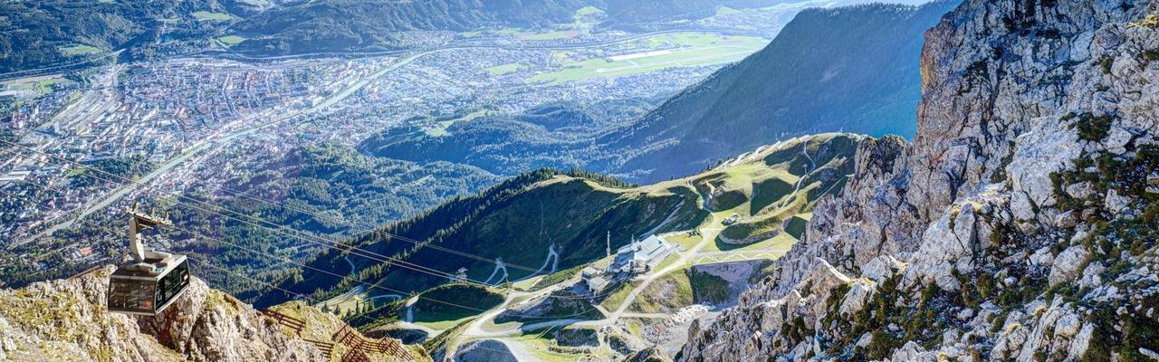 Seilbahn mit herrlichem Blick auf Innsbruck