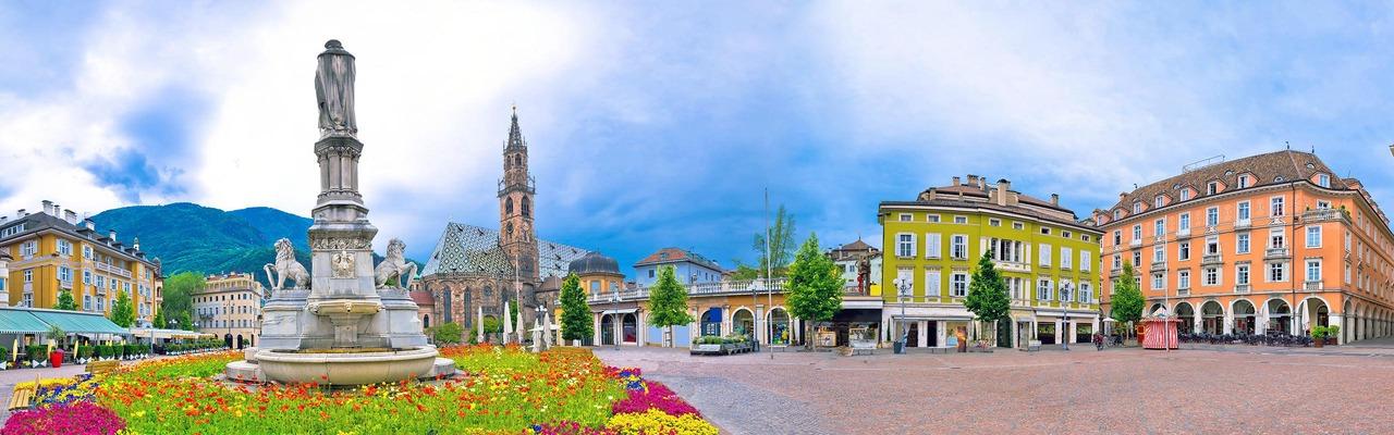 Stadtplatz von Bozen in Italien