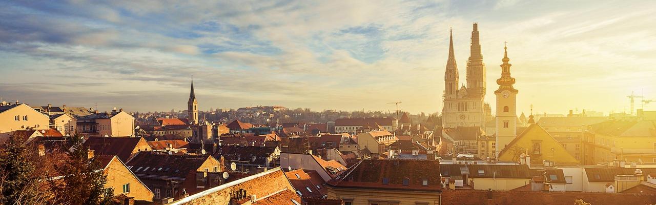 Panorama von Zagreb bei Sonnenaufgang