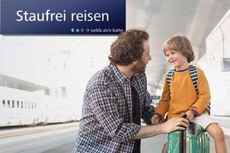 """S-Bahn Sujet """"Staufrei reisen"""" - Mann und Sohn am Bahnsteig"""