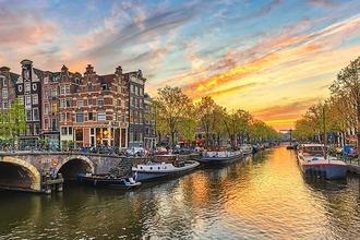 Abendstimmung am Wasser in Amsterdam