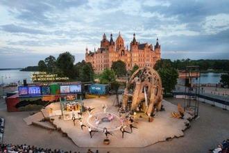 Bühne vor Schloss Schwerin
