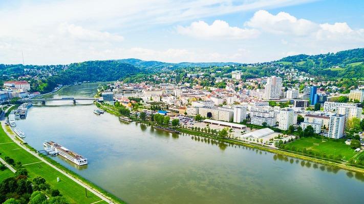City panorama of Linz